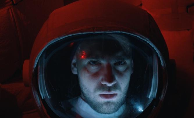 Polska Stacja Kosmiczna L.E.M. oraz brak grawitacji w nowym teledysku Igorilli