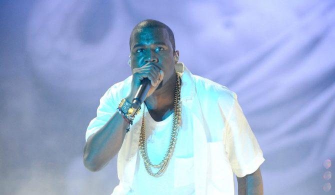 Kanye West funduje dziennikarzom buty
