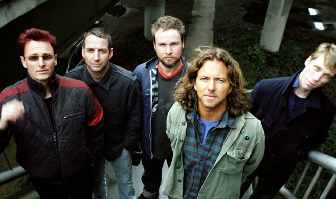Jack White wyda koncertówkę Pearl Jam