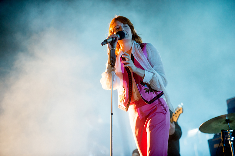 Dwie nowe piosenki Florence And The Machine. A do tego cover klasyka