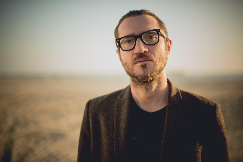 John Frusciante i Buzz Osborn biją gitarzystę At The Drive-In