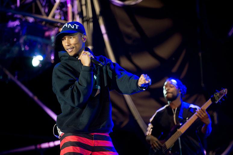 """""""Happy"""" Pharrella najczęściej odtwarzaną piosenką dekady. Zobacz, kto jeszcze znalazł się w TOP10"""