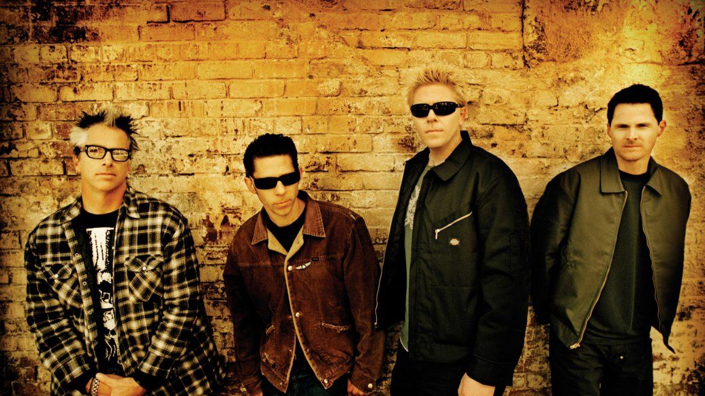 Hit The Offspring w wykonaniu postaci z 230 filmów