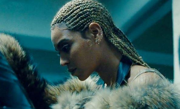 Najpierw Bat For Lashes, teraz Beyonce – kolejne oświadczyny na scenie