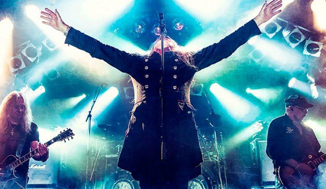 Saxon wydadzą koncertówkę