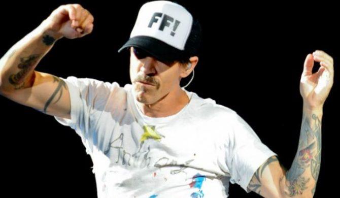 Anthony Kiedis w szpitalu na dłużej. Kolejny koncert odwołany