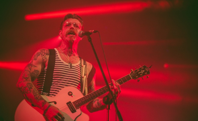Francuzi wyrzucili Eagles Of Death Metal z dwóch festiwali
