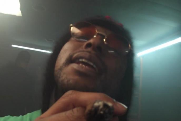 ScHoolboy Q i E-40 jako dilerzy narkotyków (wideo)