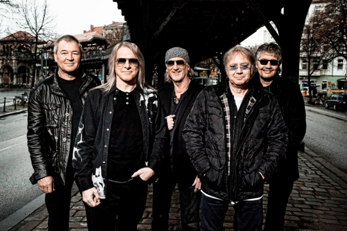 """Stay Tuned"" – muzycy Deep Purple, Black Sabbath i inni charytatywnie"