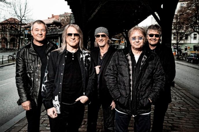 """Stay Tuned"" – muzycy Deep Purple, Black Sabbath i inni charytatywnie"