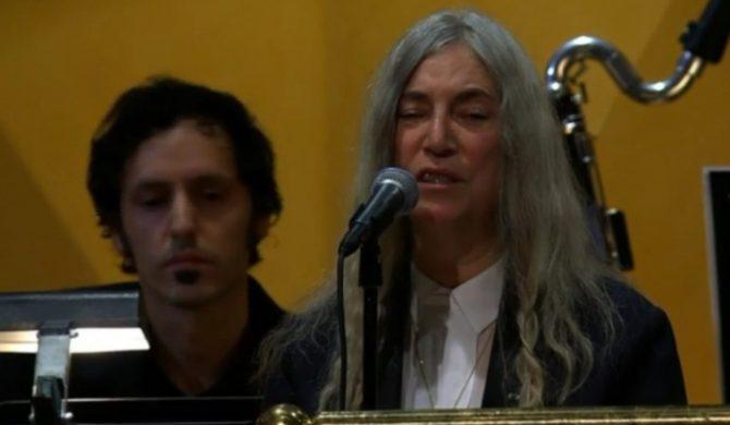 Patti Smith zapomniała tekstu Boba Dylana podczas występu na bankiecie noblowskim (wideo)