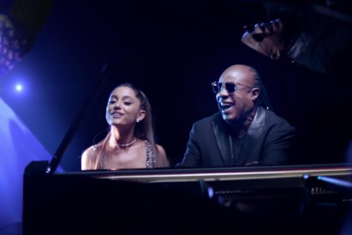 "Stevie Wonder i Ariana Grande w klipie do ""Faith"""