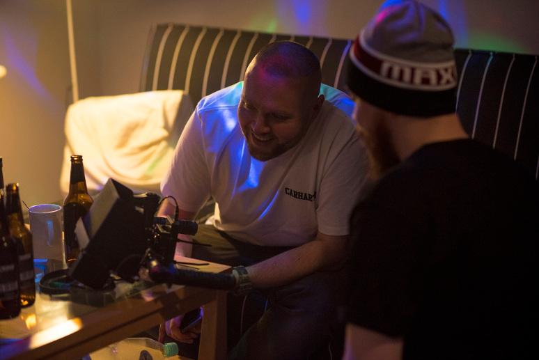 Bob One zaprezentował nowy singiel i niecodzienny klip