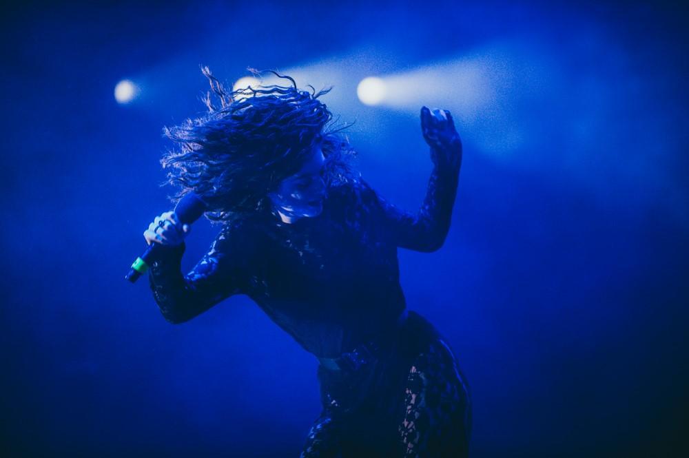Lorde na żywo z niepublikowanym utworem