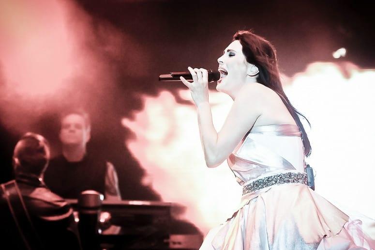 Sharon den Adel z Within Tempation z solowym klipem