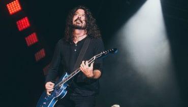 Foo Fighters oddali hołd zmarłemu basiście ZZ TOP