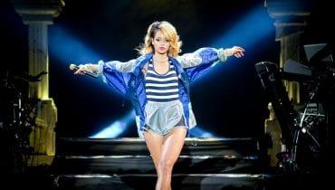 Rihanna sprząta po Trumpie? Wokalistka świętuje inaugurację Bidena zdjęciem, na którym wyrzuca śmieci