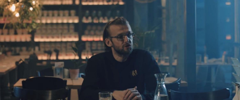 """KęKę x Andrzej Grabowski – """"Na dłoni"""" – nowy klip"""