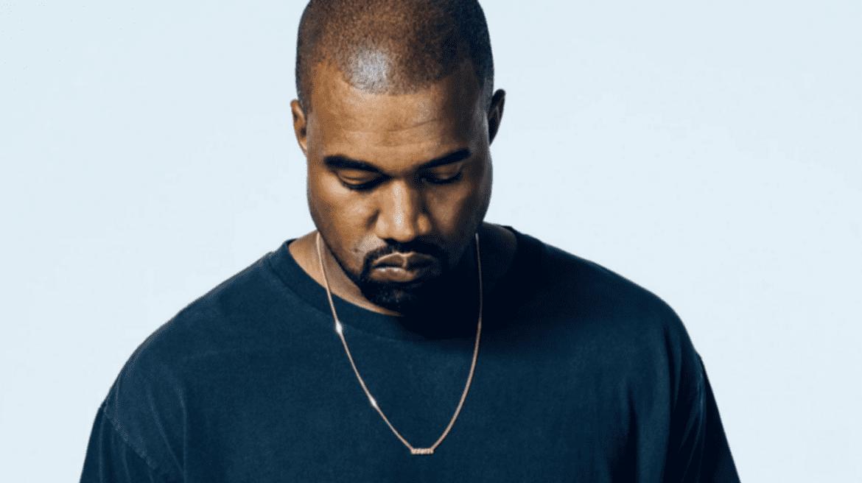 Czapka MAGA wraca na głowę Kanyego Westa