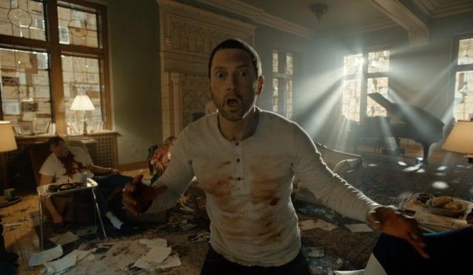 Eminem skąpany we krwi (wideo)