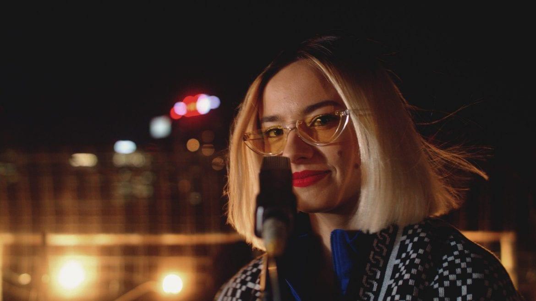 "Natalia Nykiel promuje ""Albo Inaczej 2"" coverem WWO"