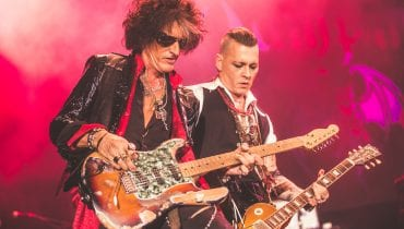 "Johnny Depp śpiewa ""Heroes"" Bowiego – nowy singiel Hollywood Vampires"