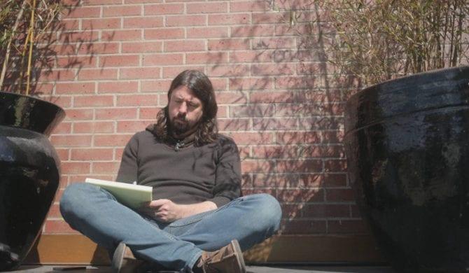Dlaczego Dave Grohl nie pisał tekstów i nie śpiewał w Nirvanie?