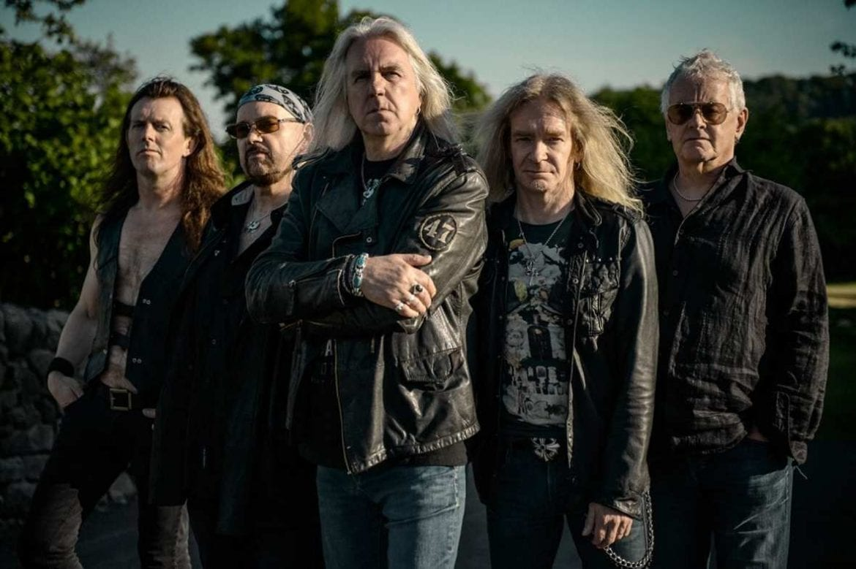 Saxon wznawia kolejne albumy