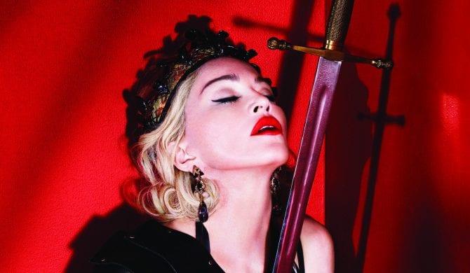 Madonna na żywo z nowym utworem