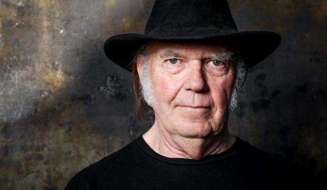 Neil Young stracił dom w pożarze