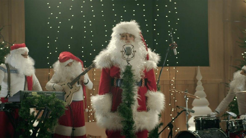 Nosowska przerabia piosenkę ze świątecznych reklam Coca-Coli