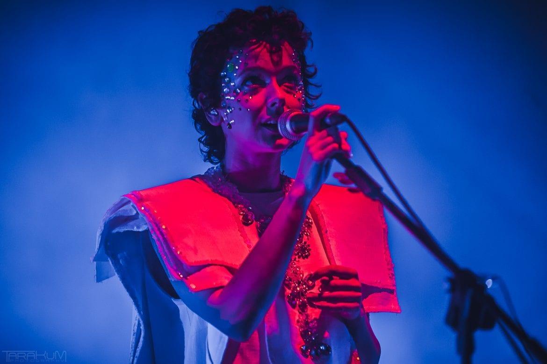 """Brodka – """"MTV Unplugged"""" na scenie Gdańskiego Teatru Szekspirowskiego (FOTO)"""