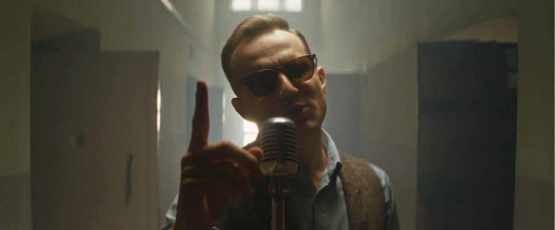 """""""Napad"""" – nowy singiel Mroza stworzony wspólnie z Rasem"""
