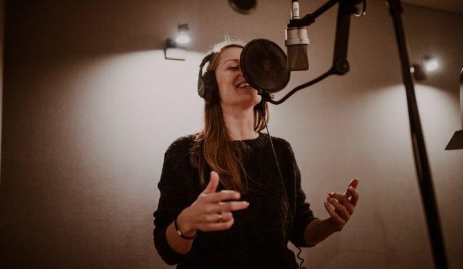 Debiutancki album Marii Hajsy już w sieci