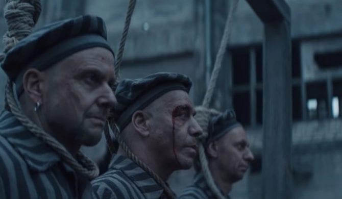 """Kontrowersyjny klip Rammsteina. Niemcy """"trywializują Holokaust""""?"""