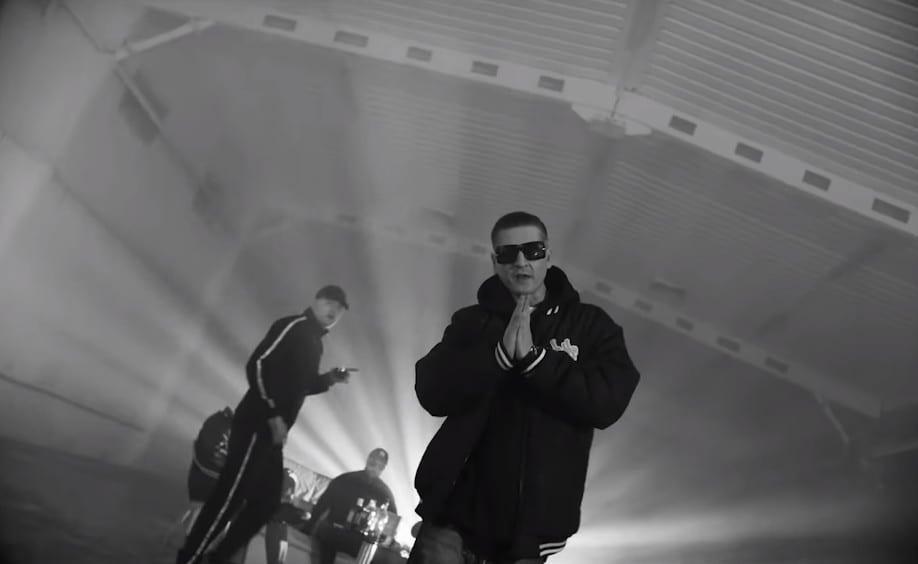Ero, Kacper i Hinol w nowym klipie Jano