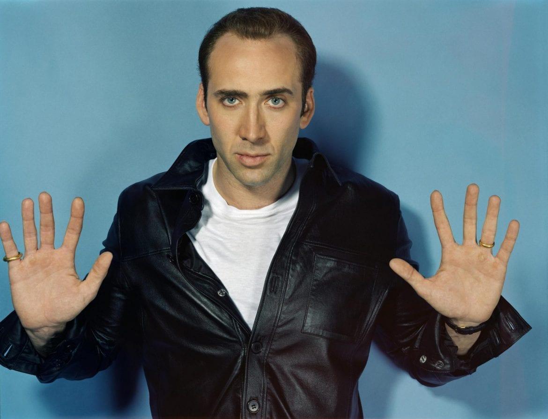 "Nicolas Cage zmasakrował ""Purple Rain"" w barze karaoke"