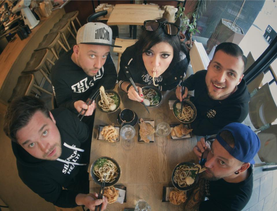 "Grupa CF98 promuje epkę ""Rotten to the Core"" klipem i koncertami"