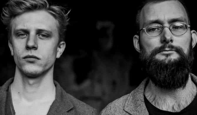 """Post-folkowy duet Kirszenbaum debiutuje albumem """"Stypa komedianta"""""""