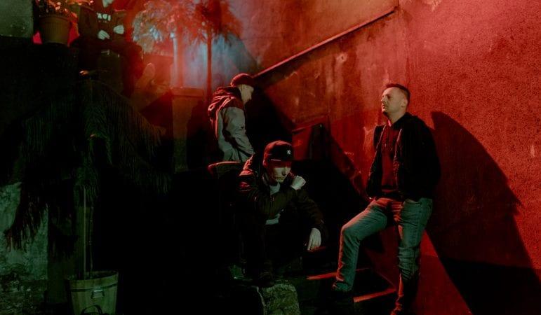 Kolejni goście na płycie Pokahontaz. Zobacz zdjęcia z planu nowego klipu