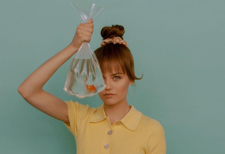 """Kasia Sawczuk debiutuje singlem """"Tak to widzę"""". Teledysk już w sieci"""