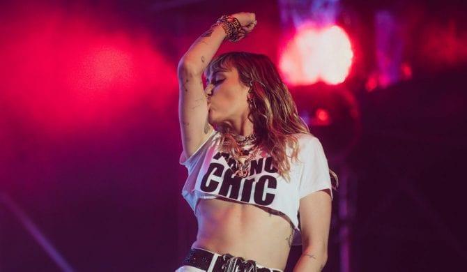 """Ariana Grande, Miley Cyrus i Lana Del Rey łączą siły dla """"Aniołków Charliego"""""""