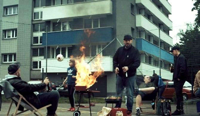 """O.S.T.R. – """"E.K.O."""" – nowy klip promujący """"Instrukcję obsługi świrów"""""""