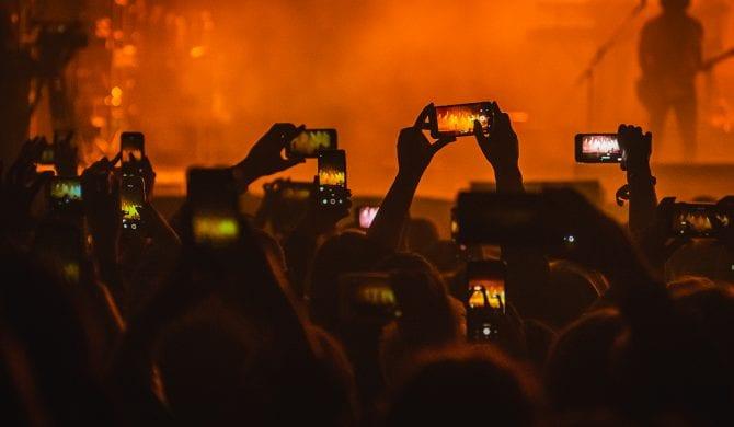 W Hiszpanii odbył się testowy koncert dla 5000 osób