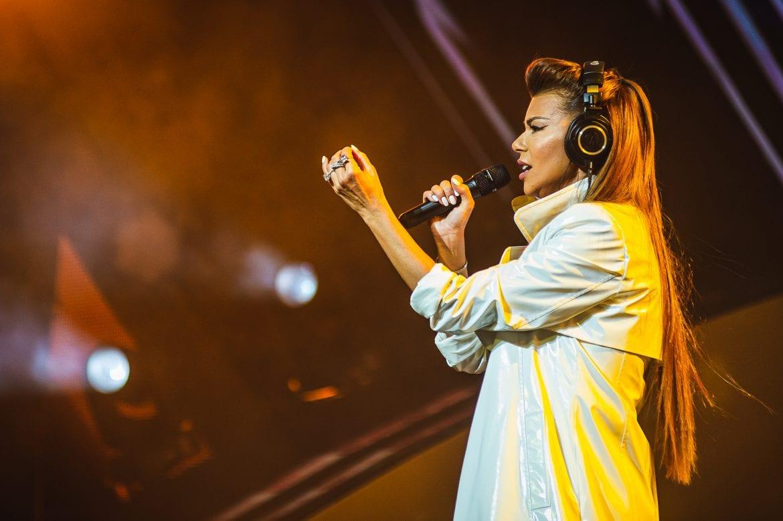 Edyta Górniak za kółkiem – wokalistka opublikowała piosenkę promującą swój program