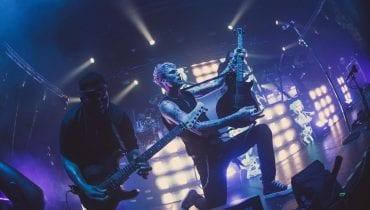 Machine Gun Kelly na zdjęciach z koncertu w Warszawie