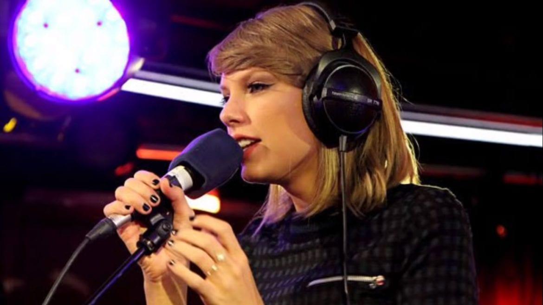 Taylor Swift przerabia klasyczną piosenkę Phila Collinsa