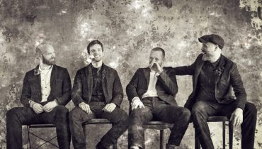 Coldplay prezentuje dwie nowe piosenki i klip