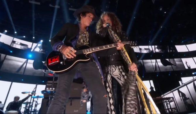 """Grammy: Aerosmith i Run-D.M.C. wykonali klasyczne """"Walk This Way"""""""