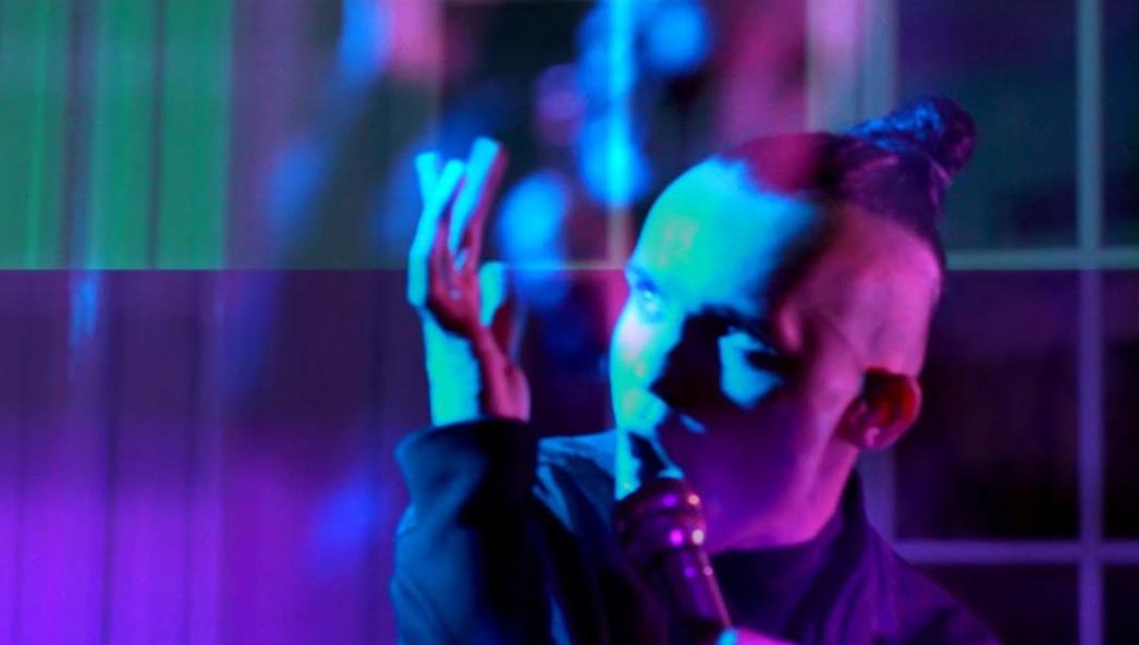 Decadent Fun Club z porywającą przeróbką klasycznej piosenki Maanamu
